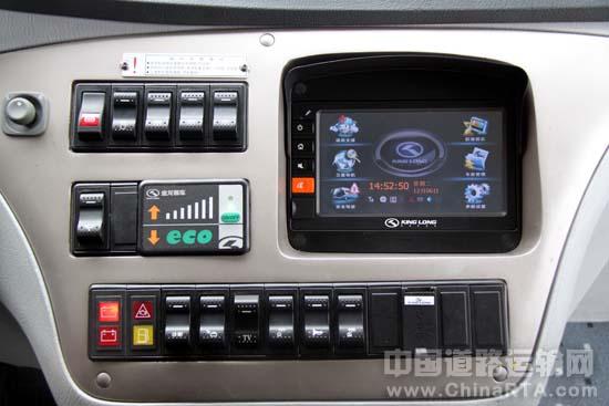 博士818收音机电路板组装