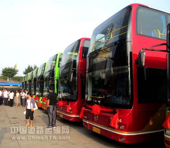 深圳的巴士流动的风景