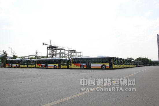 恒通客车 中国客车业节能减排的 绿动先锋高清图片