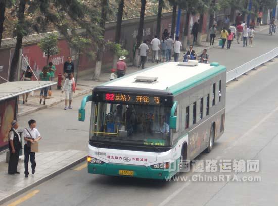 海格混合动力公交在昆明运营高清图片