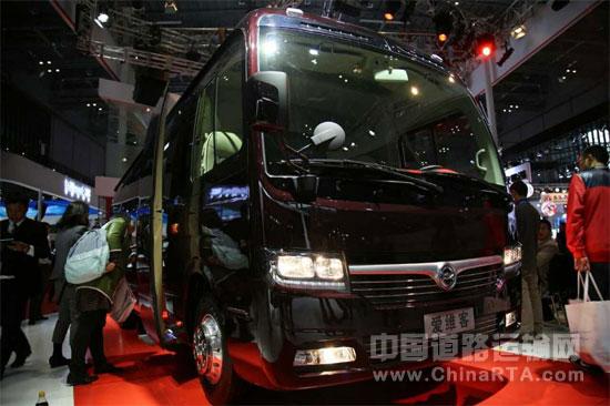 中航爱维客商务客车荣誉亮相上海国际汽车展(图文)
